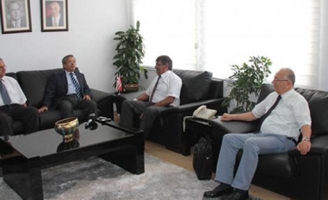 Ahmet Kaşif, Girne Üniversitesi yetkililerini kabul etti