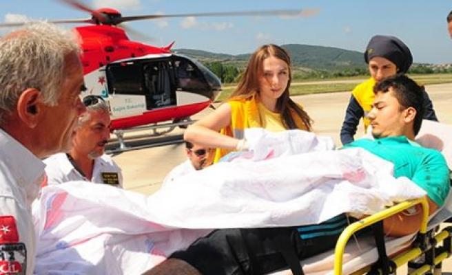 Ambulans helikopter geldi