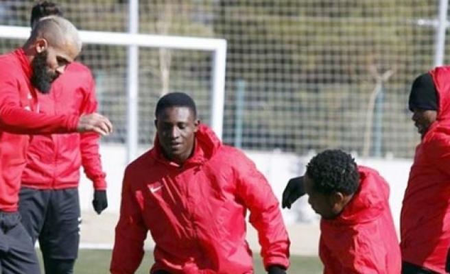 Antalyaspor idmanında genç Nijeryalı