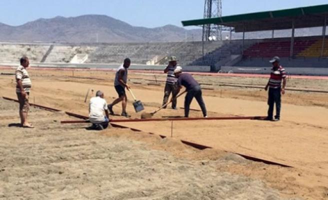 Atatürk Stadı'nda çalışmalar sürüyor