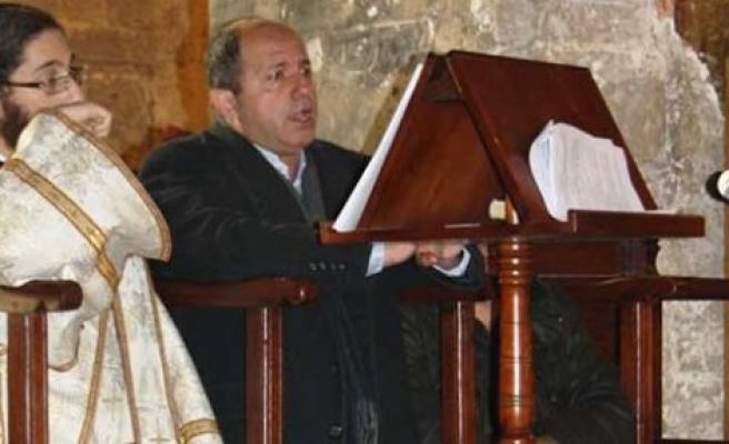 Ay Ikserino Kilisesinde üzen görüntüler