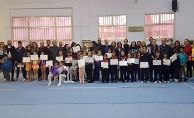 Cimnastikçiler yarıştı