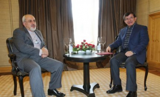 Davutoğlu ile  Zarif görüştü