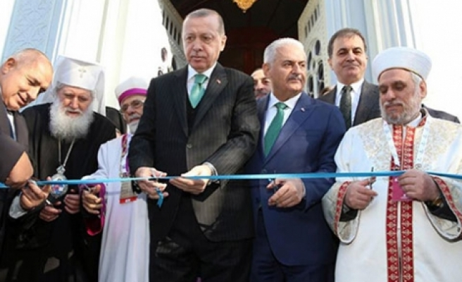 Dinler barış  içinde yaşıyor