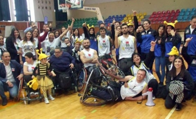Engellilerimizin konuğu İzmir