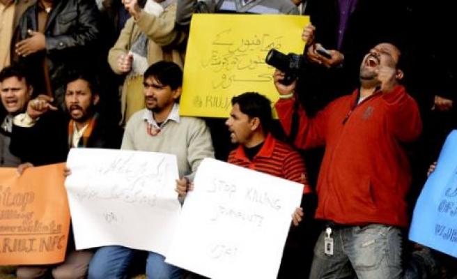 Gazeteciler  eylem yaptı
