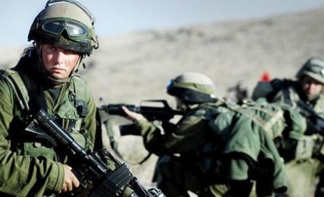 Gazze'den çekilen İsrail ordusu sınıra konuşlandı