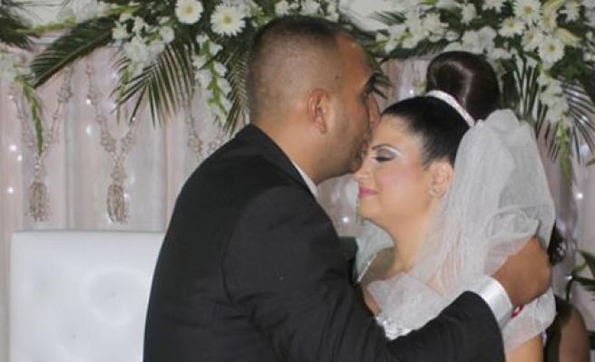 Gözde ile Neşet evlendi