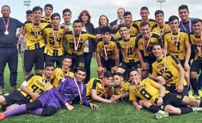 Liselerin şampiyonu NKL