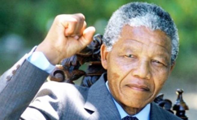Mandela'nın miras bıraktığı varlıklar ailesi, çalışanları, okulları ve partisine kaldı