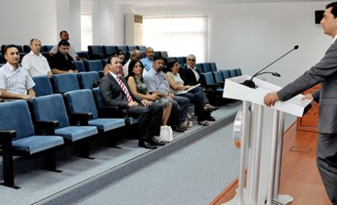 Nami Kıbrıslı Türk Sivil Toplum İnisiyatifi Üyeleriyle toplantı gerçekleştiriyor