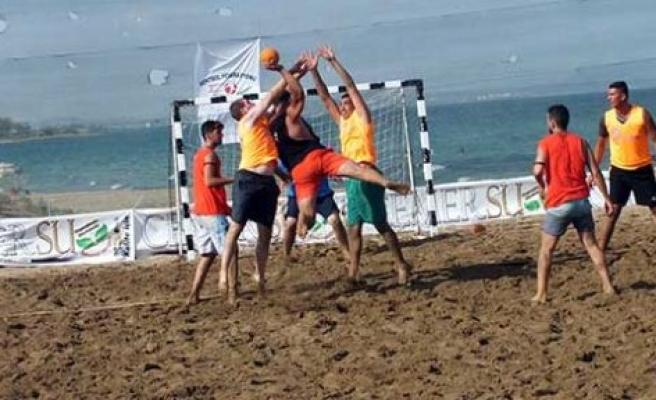 Plajda hentbol keyfi yaşanacak