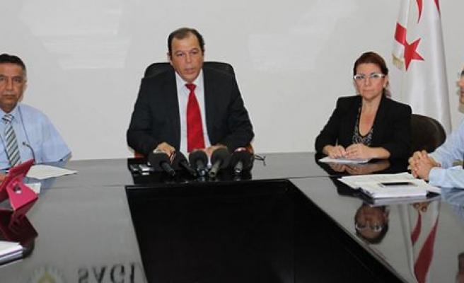 Sağlık Bakanı Gülle sağlıktaki gelişmelerle ilgili basın toplantısı düzenledi
