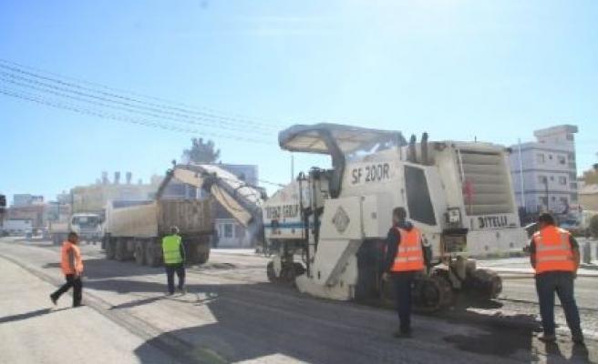 Salamis yolu asfatlanıyor