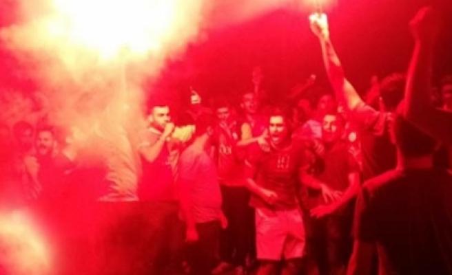 Taraftardan Sneijder protestosu