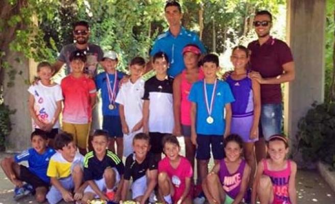 Tenisçilerimiz Antalya'dan kupalarla döndü