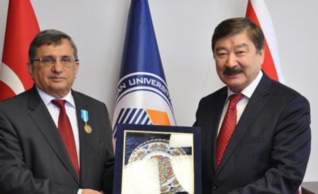 TÜRKSOY'dan Öztoprak'a madalya
