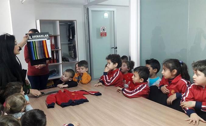 Öğrenciler tekstil fabrikasını ziyaret etti