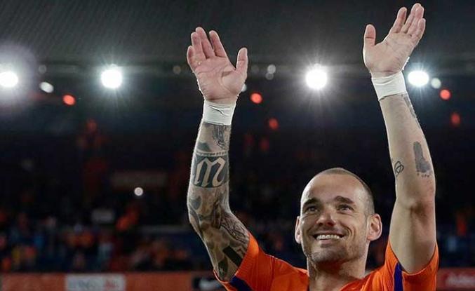 Sneijder'den flaş karar