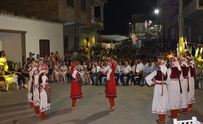 Akçay'daki panayırda, süt mamülleri tanıtıldı, müzik dinletileri ve halk oyunları gösterileri sunuldu