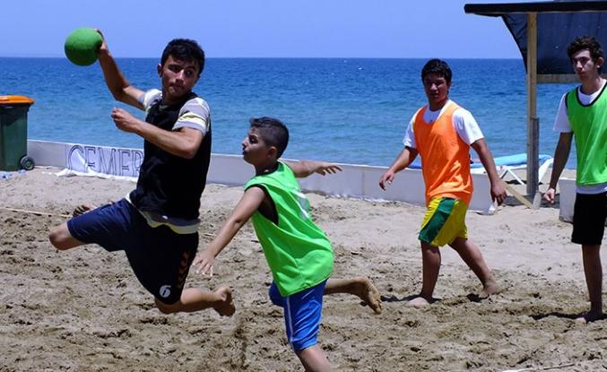 Hentbol Plaja iniyor