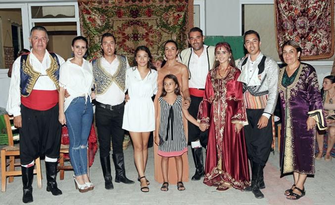 Yağmur ile Hüseyin Girne'de kına gecesi ve düğün töreninin ardından dünya evine girdi