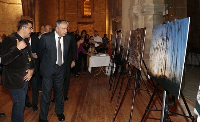 Cumhurbaşkanı Akıncı Kıbrıs Fotoğraf Sanatı Derneği'nin sergisini açtı