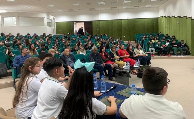 Doğu Akdeniz Doğa Anaokulu ve İlkokulu öğrencileri münazara yaptı