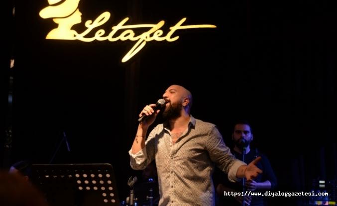 Letafet'te sahne alan Ahmet Evan'ın enerjisine herkes hayran